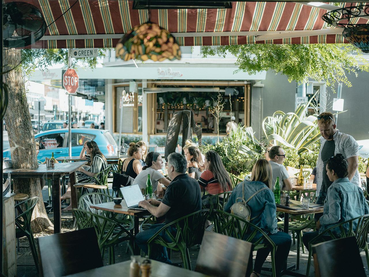 MELBOURNE GUEST SHOPS